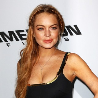 Lindsay Lohan in Los Angeles Premiere of Scary Movie 5