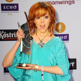 Lindsey Stirling in ECHO Music Award 2014 - Press Room - lindsey-stirling-echo-music-award-2014-press-room-02