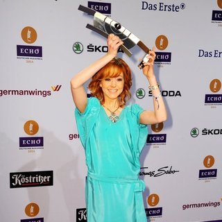 Lindsey Stirling in ECHO Music Award 2014 - Press Room - lindsey-stirling-echo-music-award-2014-press-room-04