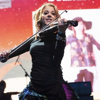 Lindsey Stirling in Perez Hilton's One Night in Austin Concert - lindsey-stirling-one-night-in-austin-concert-03