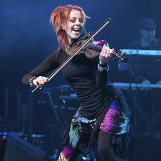 Lindsey Stirling in Perez Hilton's One Night in Austin Concert - lindsey-stirling-one-night-in-austin-concert-05