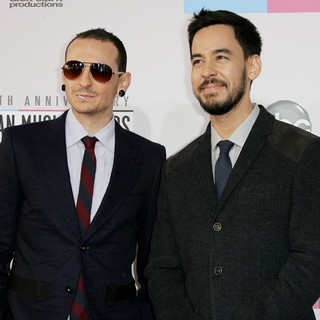 Chester Bennington, Mike Shinoda, Linkin Park in The 40th Anniversary American Music Awards - Arrivals
