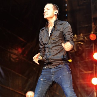 Dave Farrell, Chester Bennington, Linkin Park in Linkin Park Performing at Maxidrom Music Festival
