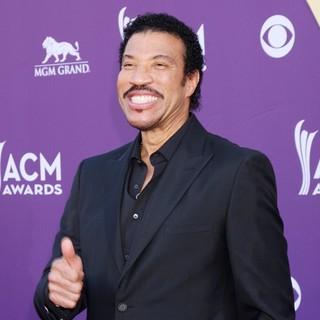 Lionel Richie in 2012 ACM Awards - Arrivals