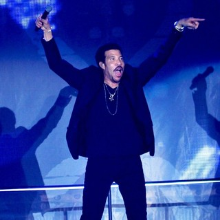Lionel Richie - Lionel Richie Performs During His Tuskegee Tour
