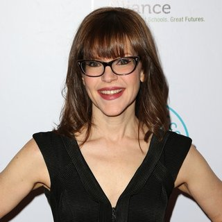 Lisa Loeb in The Independent School Alliance for Minority Affairs Impact Awards Dinner