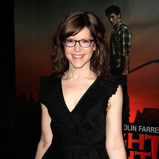 Lisa Loeb in Fright Night Los Angeles Screening - Red Carpet