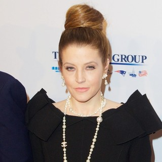 Lisa Marie Presley - Elton John AIDS Foundation's 12th Annual An Enduring Vision Benefit