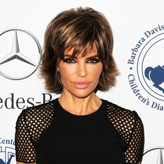 Lisa Rinna in 2014 Carousel of Hope Ball Presented by Mercedes-Benz - Arrivals - lisa-rinna-2014-carousel-of-hope-ball-01