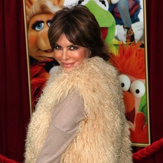 Lisa Rinna in The Premiere of Walt Disney Pictures' The Muppets - Arrivals