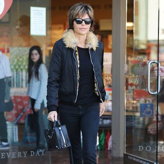 Lisa Rinna Spotted Shopping at Paper Source