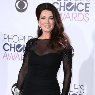 Lisa Vanderpump in People's Choice Awards 2016 - Arrivals