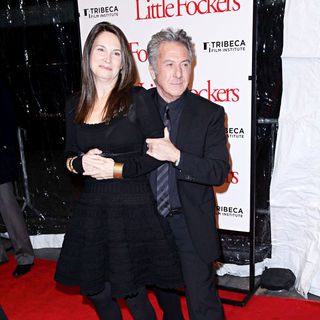 Lisa Gottsegen, Dustin Hoffman in The World Premiere of 'Little Fockers'