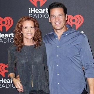 Robyn Lively, Bart Johnson-2016 iHeartRadio Music Festival - Arrivals