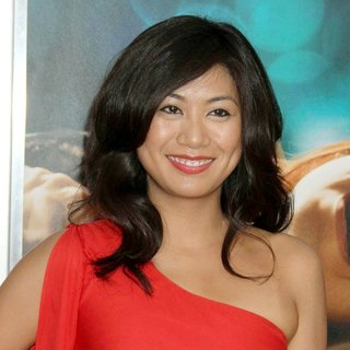 Liza Lapira in World Premiere of Crazy, Stupid, Love - Arrivals
