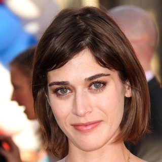 Lizzy Caplan in Los Angeles Premiere of The Campaign - Arrivals