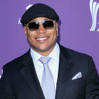 LL Cool J in 2012 ACM Awards - Arrivals