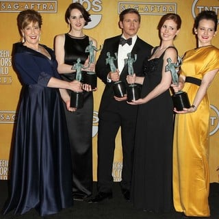Phyllis Logan, Michelle Dockery, Allen Leech, Amy Nuttall, Sophie McShera in 19th Annual Screen Actors Guild Awards - Press Room