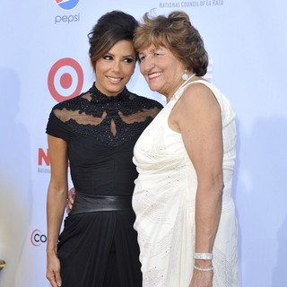 Eva Longoria, Ella Eva Mireles in 2012 NCLR ALMA Awards - Arrivals