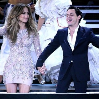 Jennifer Lopez, Marc Anthony in Q Viva Show