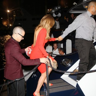 Casper Smart, Jennifer Lopez in Jennifer Lopez and Casper Smart Boards A Luxury Yacht to Celebrate Her 43rd Birthday