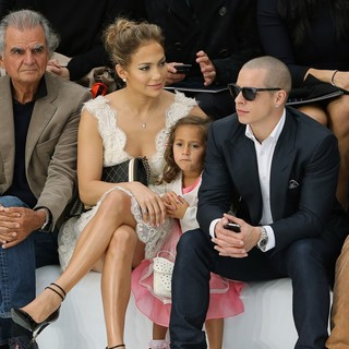 Jennifer Lopez - Paris Fashion Week Spring-Summer 2013 - Chanel - Front Row
