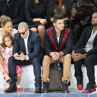 Jennifer Lopez, Emme Anthony, Casper Smart, Baptiste Giabiconi, Kanye West in Paris Fashion Week Spring-Summer 2013 - Chanel - Front Row