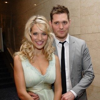 Luisana Lopilato, Michael Buble in The Nordoff Robbins O2 Silver Clef Awards