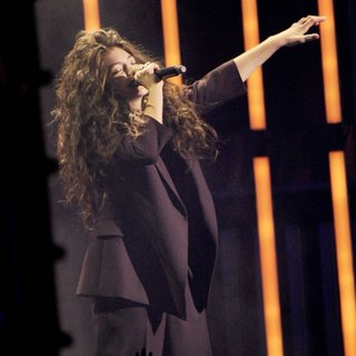 Lorde in 2014 MuchMusic Video Awards - Show