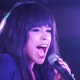 Loreen Performs Euphoria on Stage