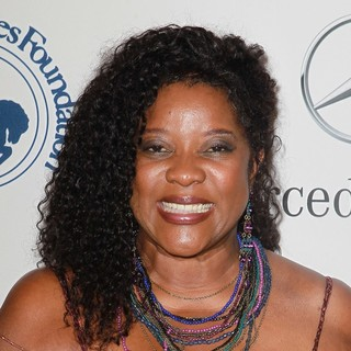Loretta Devine in 26th Anniversary Carousel of Hope Ball - Presented by Mercedes-Benz - Arrivals
