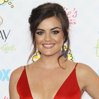Lucy Hale in Teen Choice Awards 2014 - Arrivals