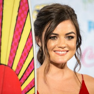 Lucy Hale in Teen Choice Awards 2014 - Press Room