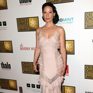Lucy Liu in 2012 Critics' Choice TV Awards - Arrivals