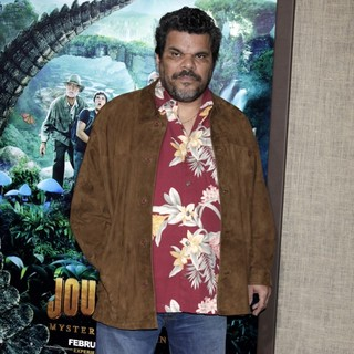 Luis Guzman in The Los Angeles Premiere of Journey 2: The Mysterious Island - Arrivals