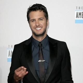 Luke Bryan in The 40th Anniversary American Music Awards - Arrivals