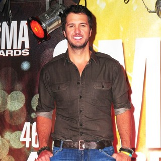 Luke Bryan in 46th Annual CMA Awards Nominations