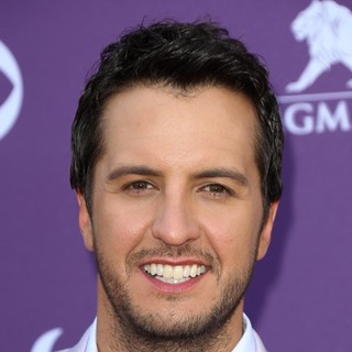 Luke Bryan in 48th Annual ACM Awards - Arrivals