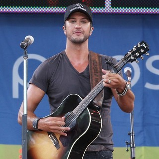 Luke Bryan in Luke Bryan Performs Live as Part of Good Morning America's Summer Concert Series