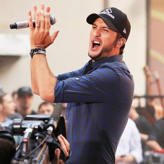 Luke Bryan in Luke Bryan Performs on The Toady Show as Part of The Toyota Concert Series