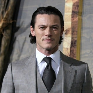 Luke Evans in The Hobbit: The Desolation of Smaug Los Angeles Premiere