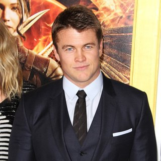 Luke Hemsworth in Los Angeles Premiere of The Hunger Games: Mockingjay, Part 1 - Arrivals