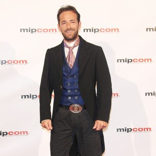 Luke Perry in 2010 MIPCOM Opening Night - Arrivals