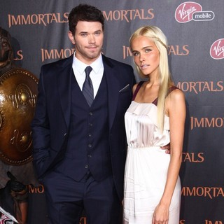 Kellan Lutz, Isabel Lucas in Immortals 3D Los Angeles Premiere