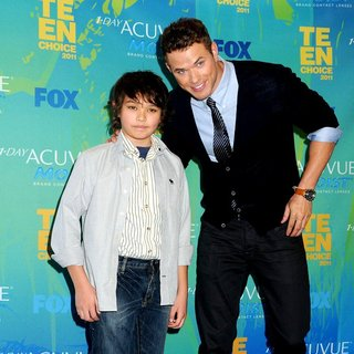 Kellan Lutz, Tanner Lutz in 2011 Teen Choice Awards