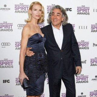 Kelly Lynch, 	Mitch Glazer in 27th Annual Independent Spirit Awards - Arrivals