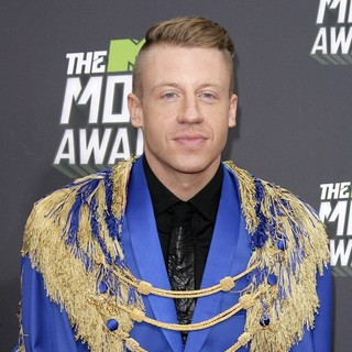 Macklemore in 2013 MTV Movie Awards - Arrivals