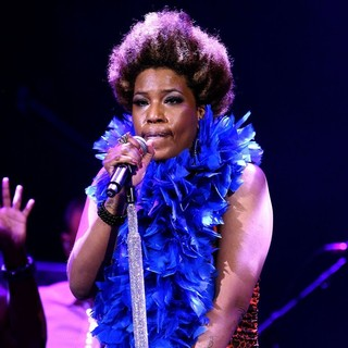 Macy Gray in Macy Gray Performing