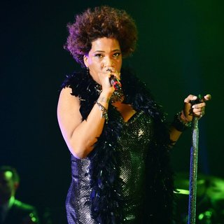 Macy Gray Performs During Her 14th Anniversary - On How Life Is - macy-gray-performs-during-her-14th-anniversary-07