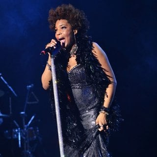 Macy Gray Performs During Her 14th Anniversary - On How Life Is - macy-gray-performs-during-her-14th-anniversary-08